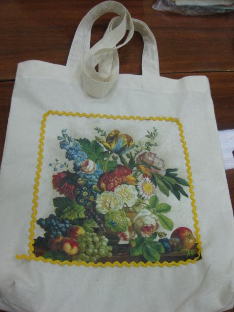 ...желающих посетить увлекательный мастер-класс декупаж по ткани(сумки)